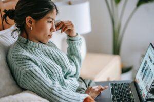 How to earn money online ?